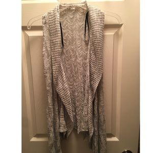 Beautiful Knitted Vest Brand New without tags